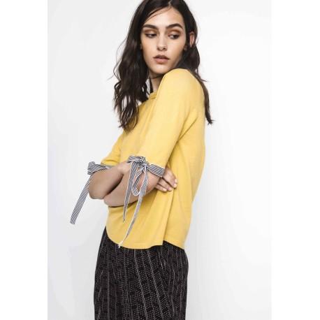 Jersey fino amarillo lazos