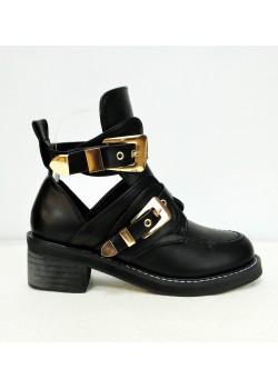 Zapato abotinado hebilla